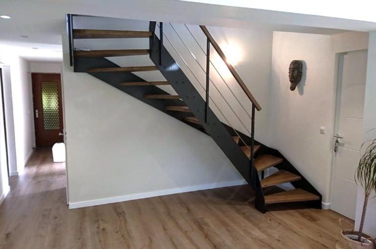escalier deux quart tournant acier métal et bois