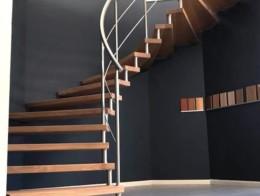 escalier suspendu sans contremarche sur mesure