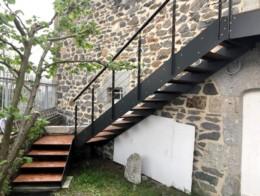 escalier extérieur limons composite et marches métal
