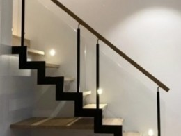 escalier ferro avec marche prolongée