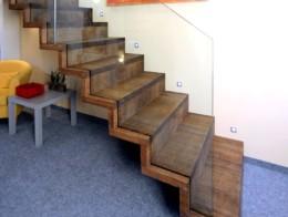 escalier autoportant sur mesure marche et contremarche en bois