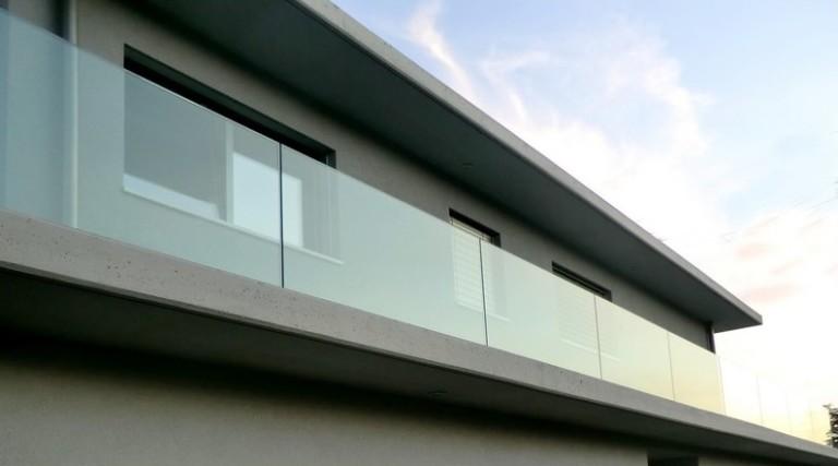 garde-corps balcon en verre sur mesure