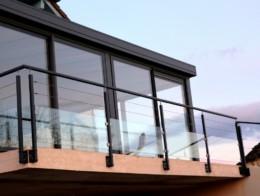 garde-corps extérieur terrasse joncs inox et verre