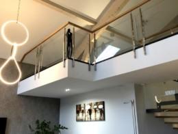 garde corps intérieur sur mesure bois et verre pour mezzanine