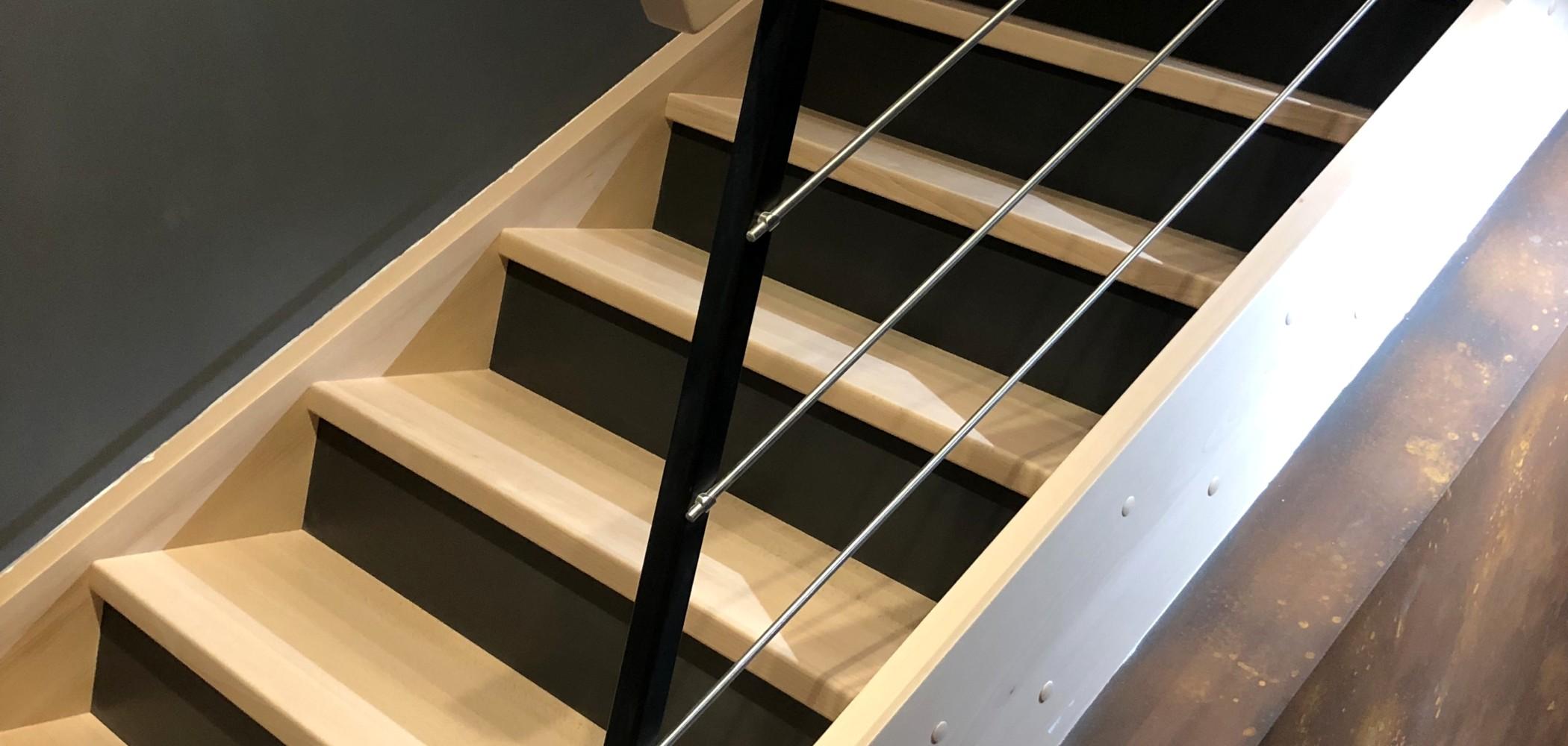 escalier en bois traditionnel style classique