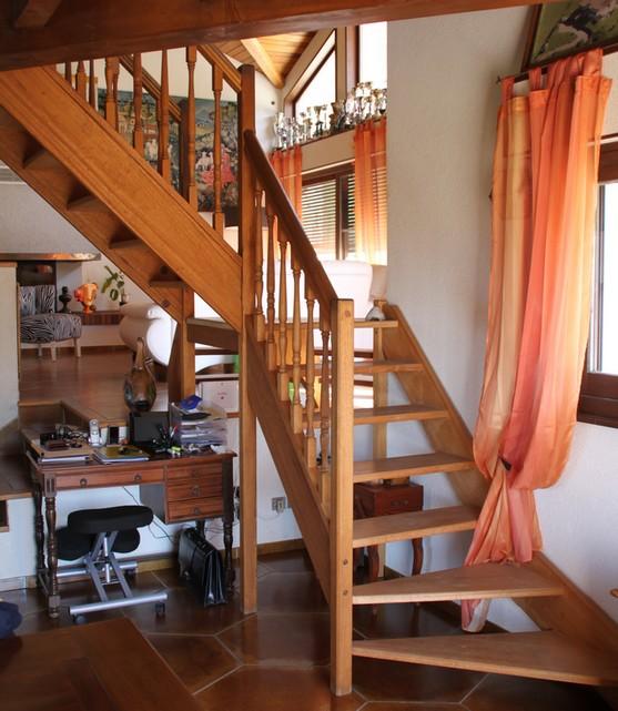 escalier ancien bois