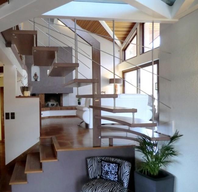 escalier suspendu avec harpe en bastingage inox