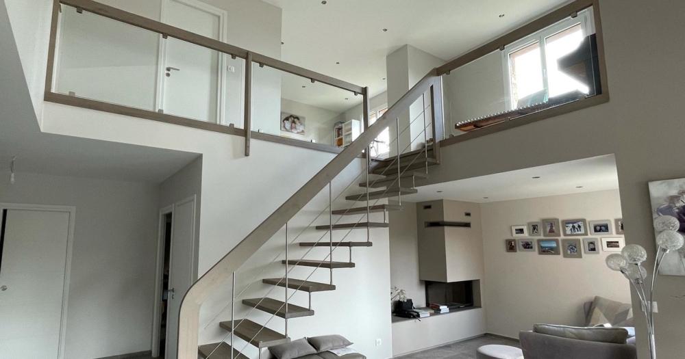 Comment choisir son escalier suspendu design ?